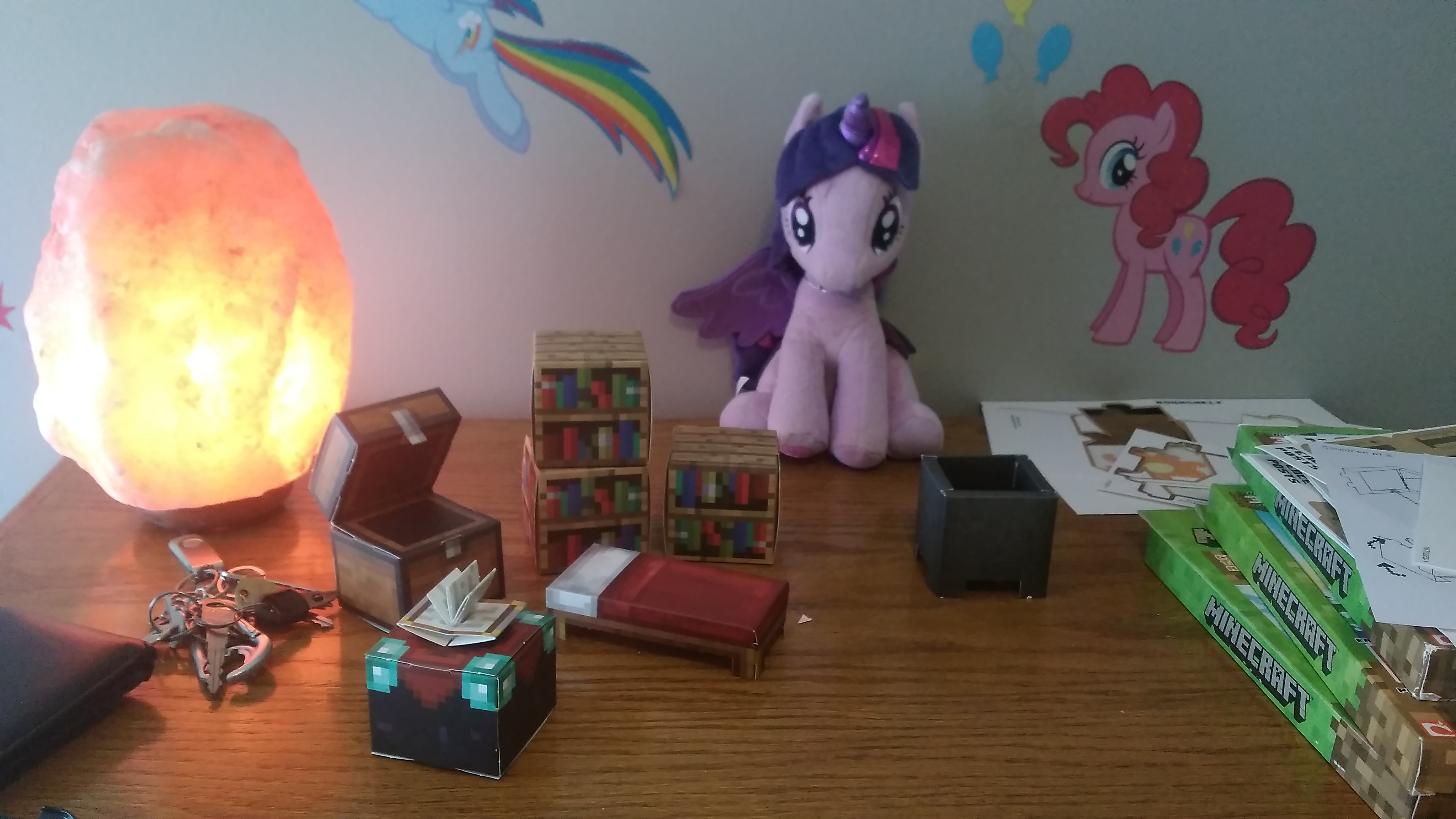 Minecraft toy cardboard